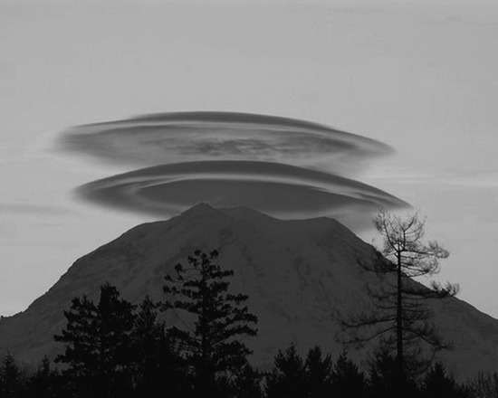 Share International photo for March 2014 – Photograph by Yoj Chase and posted on Facebook's website on 5 October 2011, shows a huge formation over Mount Shasta