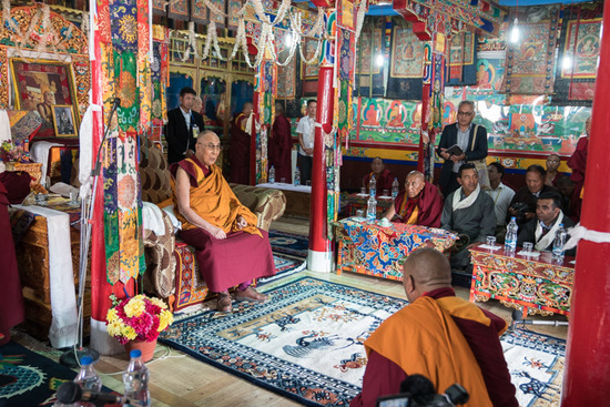 Share International September 2016 images, The Dalai Lama in Ladakh