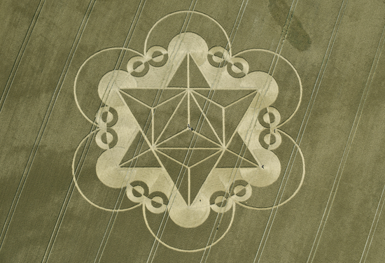 Share International September 2017 images, Metatron's Cube -- On 18 July 2017, a 400-foot diameter crop formation was discovered in a wheat field near Cley Hill, Warminster, England